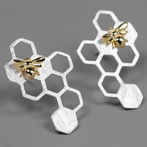 Jewelry - New 925 Sterling Silver Honey Bee & Comb Earrings